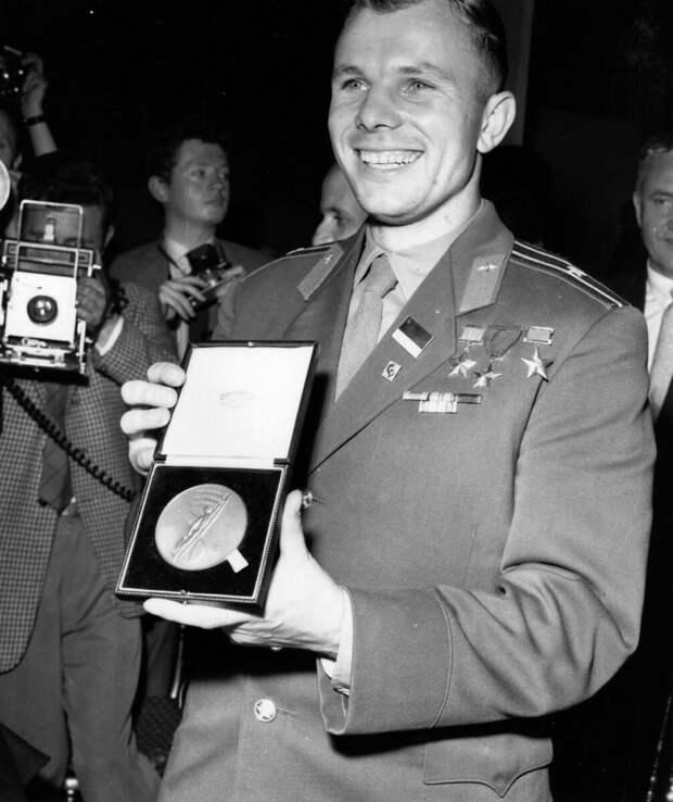 Как Юрий Гагарин в одиночку покорил чопорную Англию