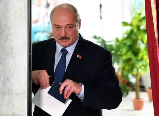 ТГ-аналитики спрогнозировали бегство Лукашенко, указав конкретное место
