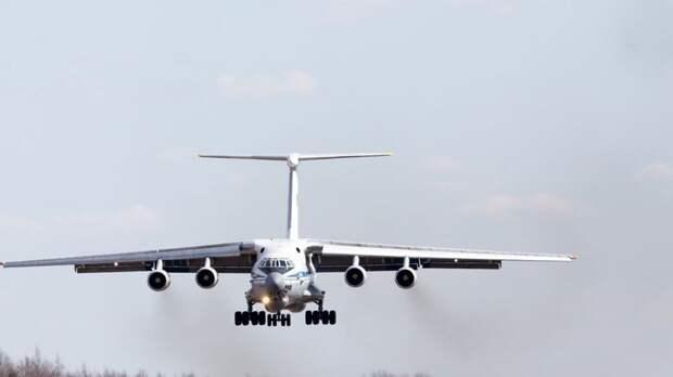 Неадекватный пассажир пытался захватить самолет в США