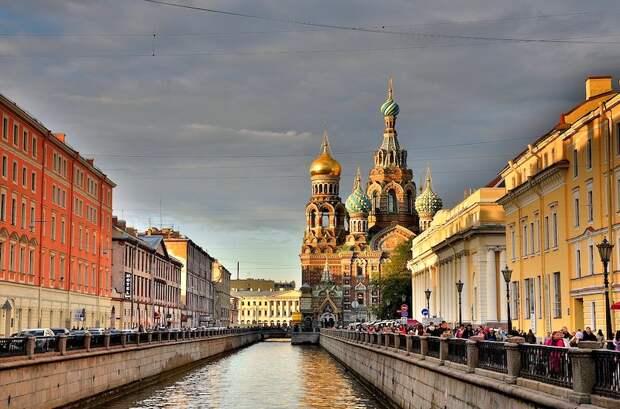 В Петербуге силовики сорвали открытие ЛГБТ‑фестиваля «Бок о бок»