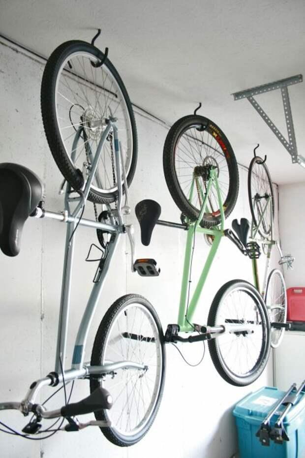 Экономия пространства и оригинальное хранение. /Фото: expocafeperu.com