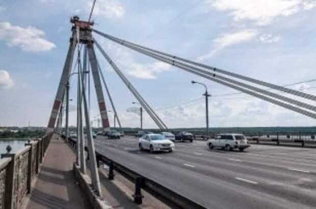 На Октябрьском мосту в Череповце покрасят отбойники