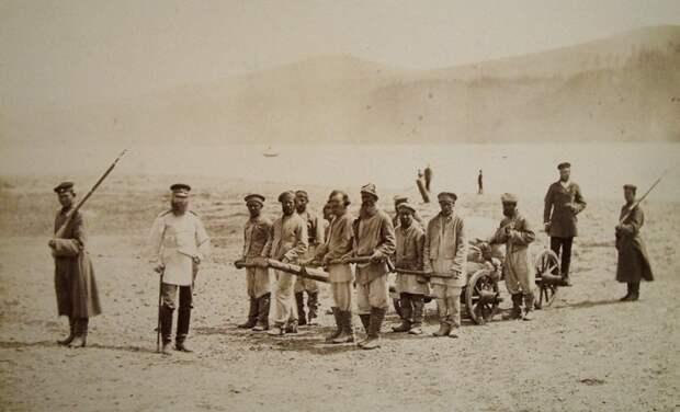 Каторжане подвергались обязательному клеймению. /Фото: dambul.org