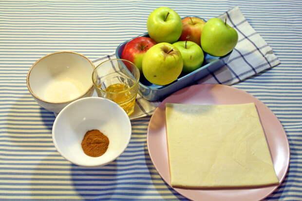 Запеченное яблоко с медом и корицей Яблоки, Запеченные яблоки, Десерт, Видео рецепт, Корица, Кулинария, Яблоко с корицей, Еда, Видео, Длиннопост