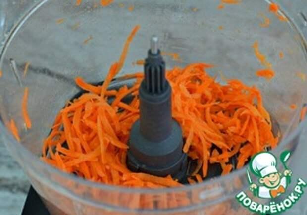 Рулет яичный с сыром и морковью Сметана