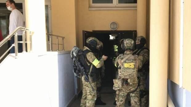 Ученики казанской гимназии №175 записали звуки взрыва и выстрелов на диктофон