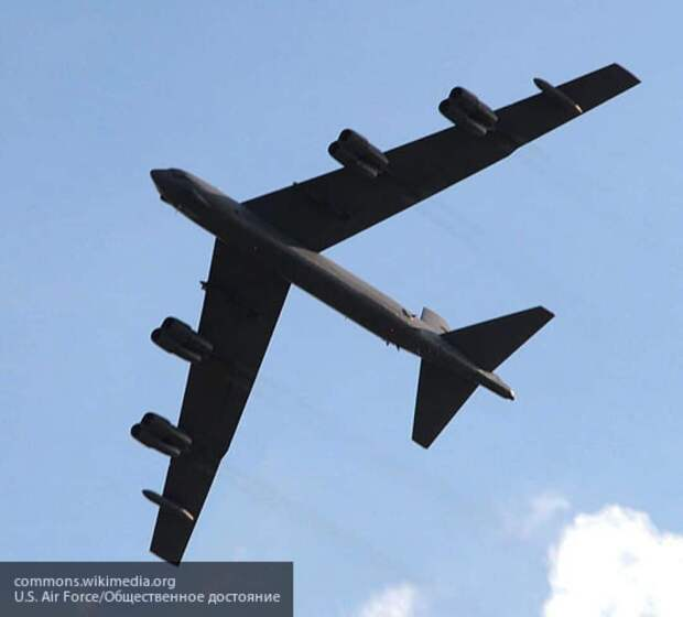 Россия засекла два B-52 ВВС США на подлете к Крыму
