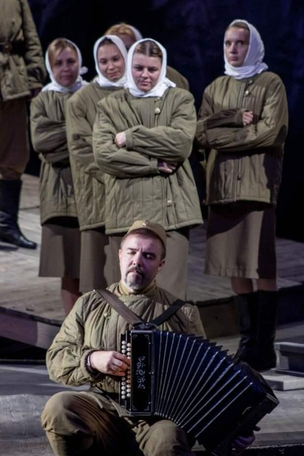 Три спектакля в Севастополе от театра юного зрителя Воронежа