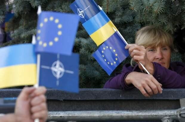 Результаты опроса показали, что вступление в НАТО и ЕС поддерживает половина украинцев