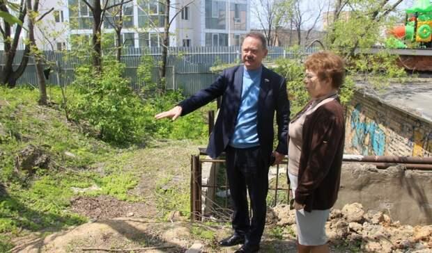 Депутат Владимир Новиков помогает воплотить в жизнь инициативы пожилых и инвалидов