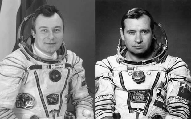 Какой приказ ЦУПа отказались выполнить космонавты Стрекалов и Дежуров