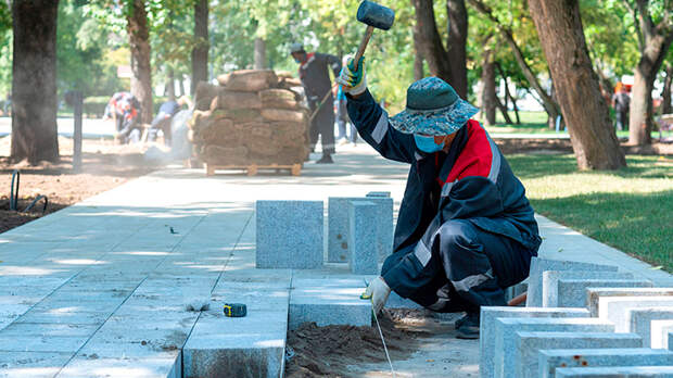 Мигранты выводят из России рекордные объёмы денег