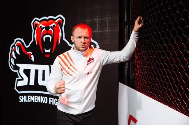 Омский боец Шлеменко победил бразильца Сантоса на турнире по MMA