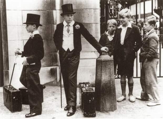 Фотография, иллюстрирующая классовое расслоение в довоенной Англии, 1937