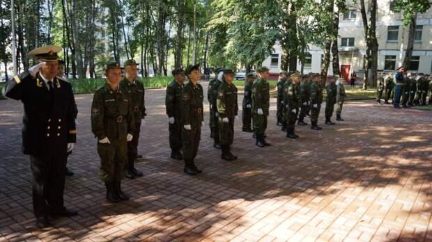Заместитель министра МЧС России поздравил кадет с 1 сентября