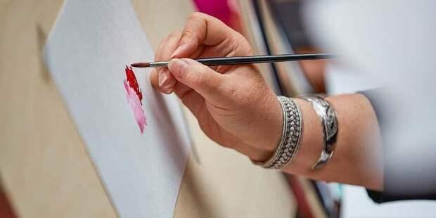 Столичные художники покажут свои работы Москва на Международной ярмарке современного искусства Cosmoscow
