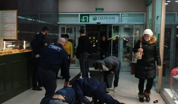 Двое ростовчан подрались сохранником вторговом центре