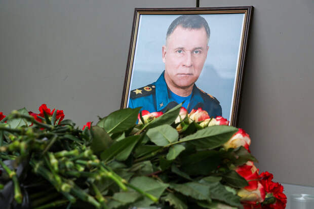 Песков оценил альтернативную версию гибели главы МЧС