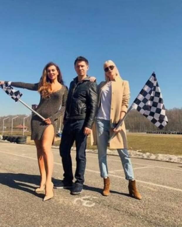 Батрутдинов снялся в видео с полуголыми моделями