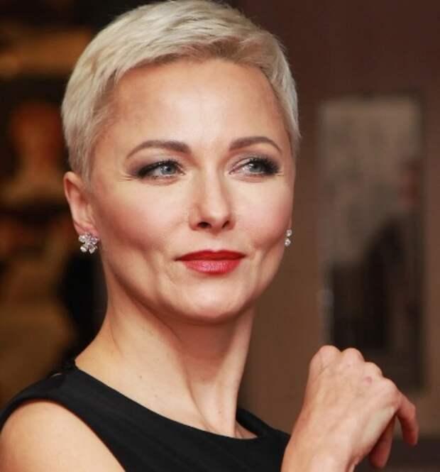 Актриса Дарья Повереннова показала, как выглядит после подтяжки лица