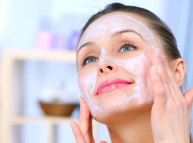 Делюсь рецептом маски, который помогают мне в 46 лет выглядеть на 30. Главный компонент входит во все люксовые крема.