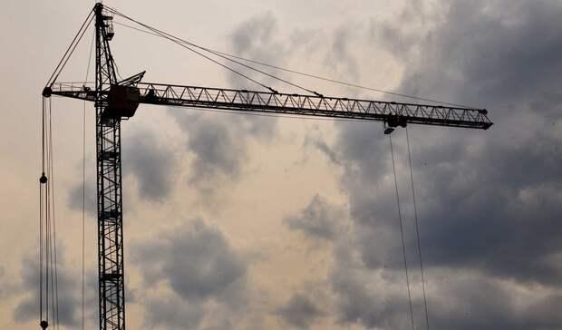 Крановщица башенного крана пожаловалась на невыплату зарплаты в Ростове