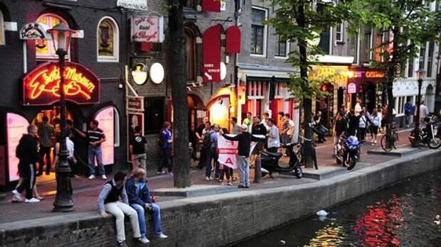 """Амстердам откроет """"эротический центр"""" вместо """"красных фонарей"""""""