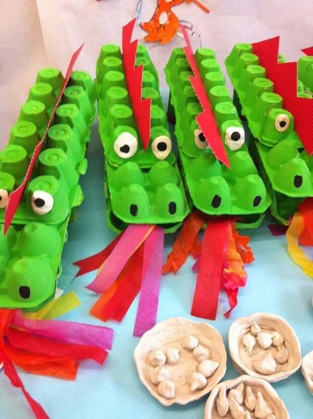 Такие крокодилы должны полюбиться детям вторая жизнь вещей, контейнер из-под яиц, коробка из-под яиц, своими руками, сделай сам
