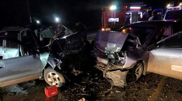 В лобовом столкновении на юге Крыма погиб водитель иномарки