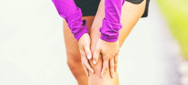 Почему болят колени при приседании: причины и лечение