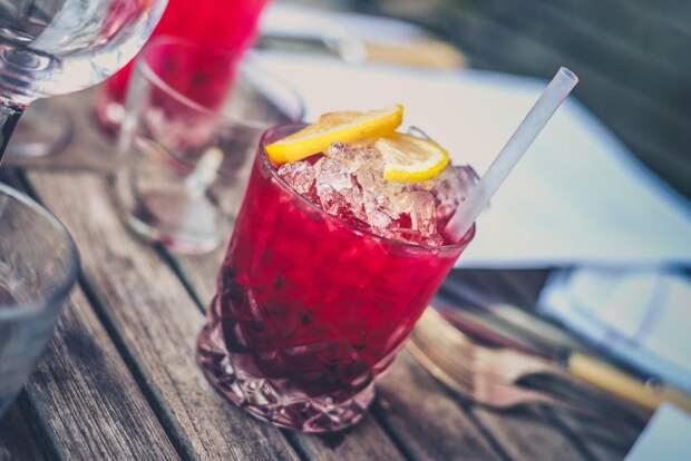 Названы алкогольные напитки, которые быстрее всего вызывают опьянение