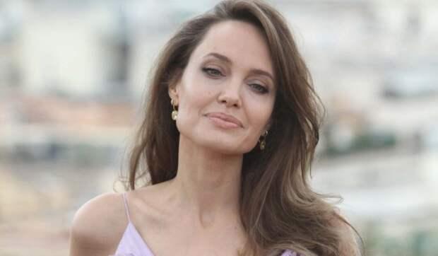 Голливудский актер предложил Анджелине Джоли стать парой