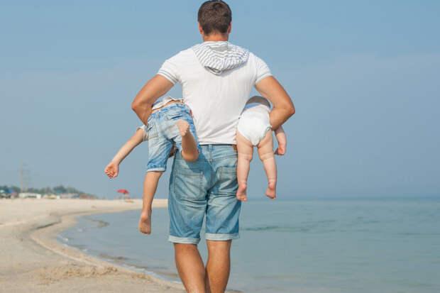 После развода оставила детей мужу