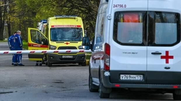 Пенсионерка разбилась насмерть при падении с четвертого этажа в Твери