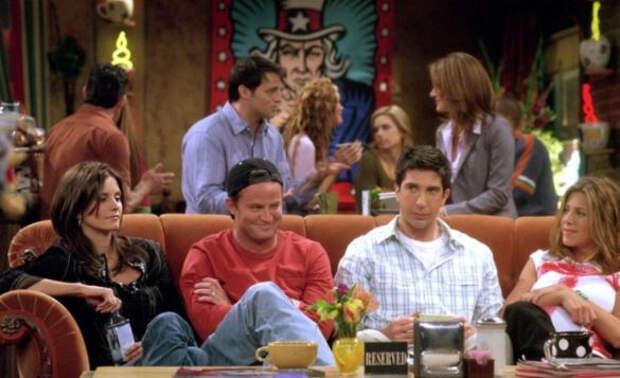 Выглядят замученными: фанаты сериала «Друзья» опечалены внешностью актеров