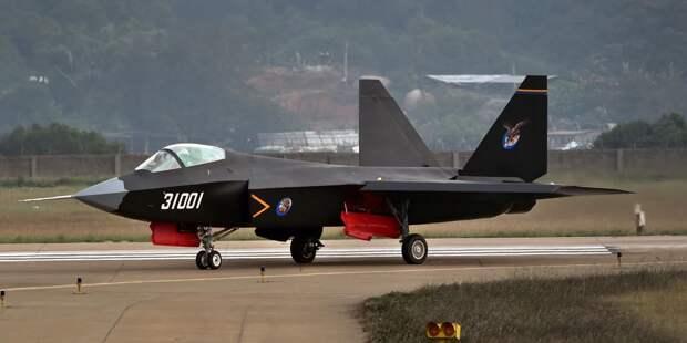 «ВО»: данные нового китайского истребителя J-31 не дают ему стать палубным