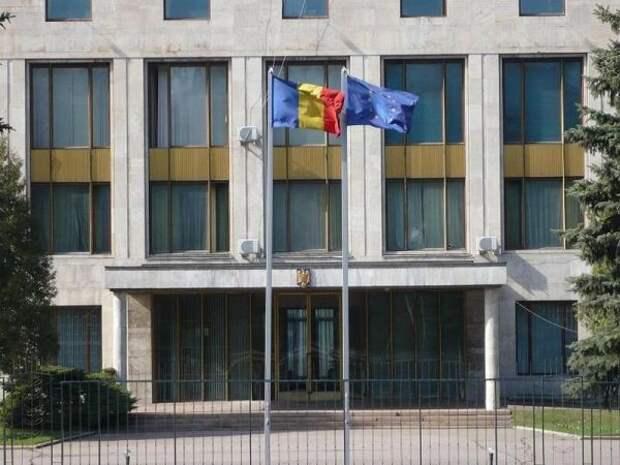 Россия высылает помощника атташе повопросам обороны посольства Румынии
