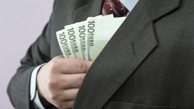 В 2020 году зарплату жителям страны обещают поднять на 7-10%. Но есть нюансы