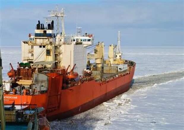 Трутнев: в 2020 году по Северному морскому пути перевезено почти 33 млн тонн грузов
