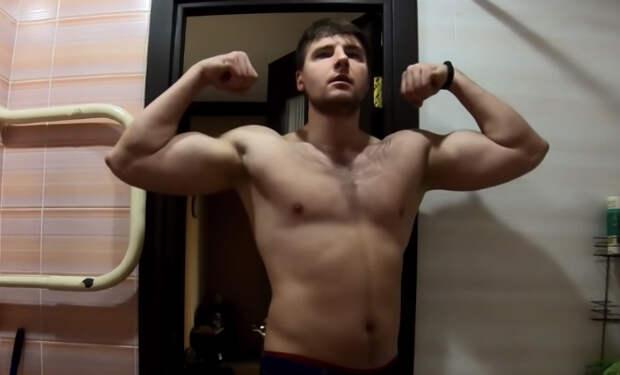 Месяц отжиманий на брусьях. Мужчина выполнил 10000 повторов и показал изменения тела за 30 дней