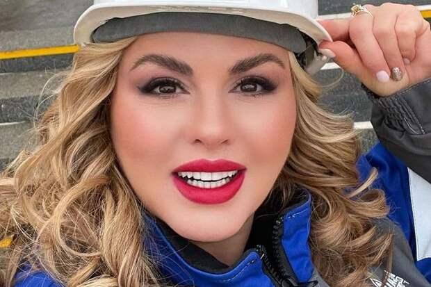 Анна Семенович объявила о расставании с избранником