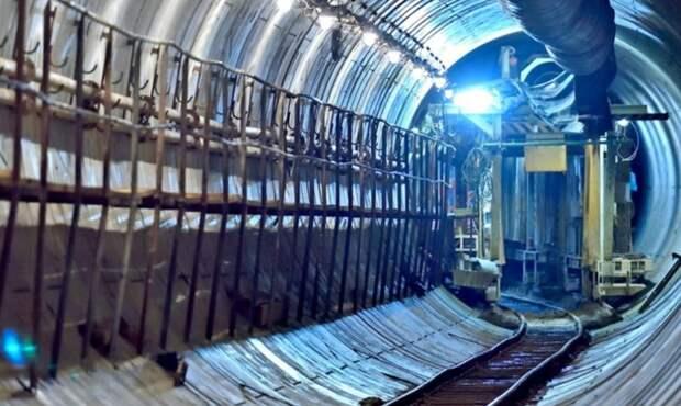 Ограждающие конструкции котлована станции «Физтех» готовы на четверть
