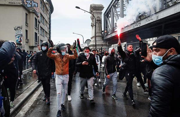 В Париже полиция задержала участников несанкционированной акции против действий Израиля в секторе Газа