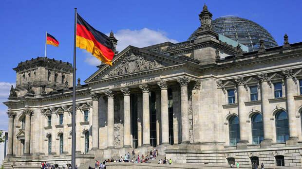 """Немецкий политолог Рар развеял мечты """"левых"""" об официальном праздновании 8 мая в Германии"""