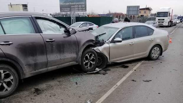 Водитель погиб влобовой аварии вРостовской области