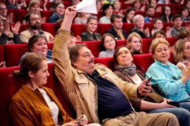Отравить пересмешника. Как ФСБ пыталась убить Дмитрия Быкова - «Политика»