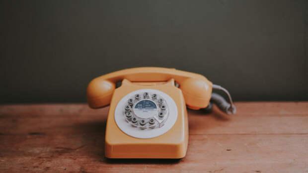 Трехзначный номер для звонков детскому омбудсмену введут в России