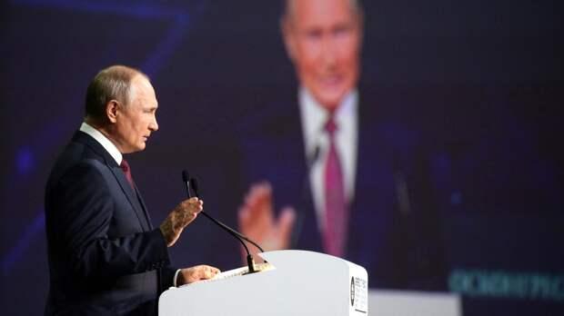 Путин назвал чушью слухи о передаче Ирану космических технологий