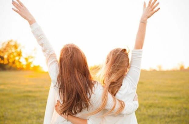Исследование: Общение с друзьями делает нас счастливее