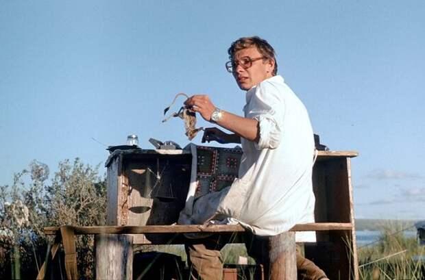 Изучение тушканчиков. Иван Второв, 20 июля 1985 года, Тувинская АССР, из архива Ивана Петровича Второва.